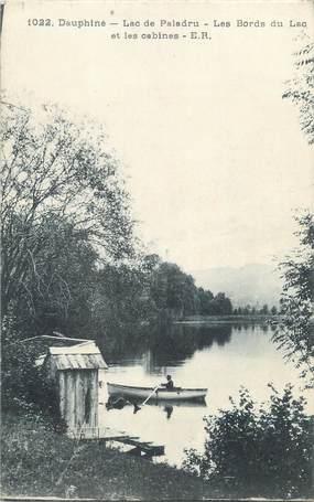 """CPA FRANCE 38 """"Lac de Paladru les Bords du lac et les cabines"""""""