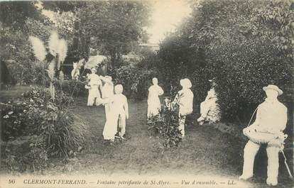 """CPA FRANCE 63 """"Clermont Ferrand, fontaine pétrifiante de Saint Alyre"""""""