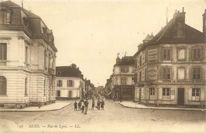 """CPA FRANCE 89 """"Sens, rue de Lyon"""""""
