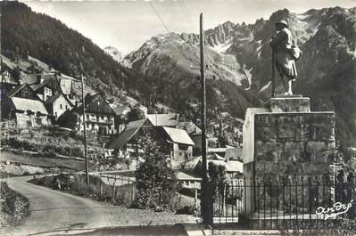 """CPSM FRANCE 38 """"Le Rivier d'Allemont, le village et le massif des Sept Laux"""""""