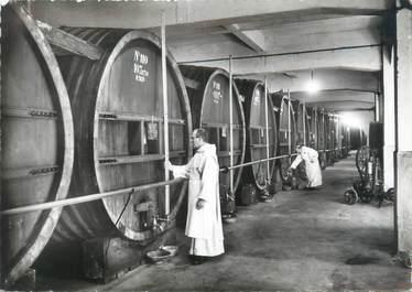 """CPSM FRANCE 38 """"Voiron, distillerie de la Grande Chartreuse"""""""