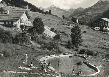 "CPSM FRANCE 73 ""Méribel les Allues, piscine de l'hôtel Grand Coeur et le vallon"""