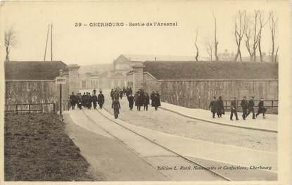 "CPA FRANCE 50 ""Cherbourg, sortie de l'arsenal"""
