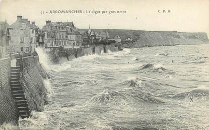 """CPA FRANCE 14 """"Arromanches, la digue par gros temps"""""""