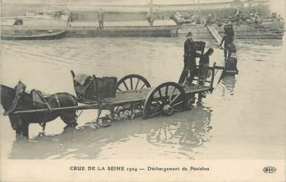 """CPA FRANCE 75 """"Paris, déchargement des Péniches"""" / INONDATION DE 1924"""