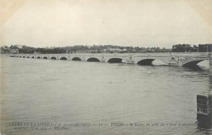 """CPA FRANCE 37 """"Tours, la loire en aval du pont de Pierre"""""""