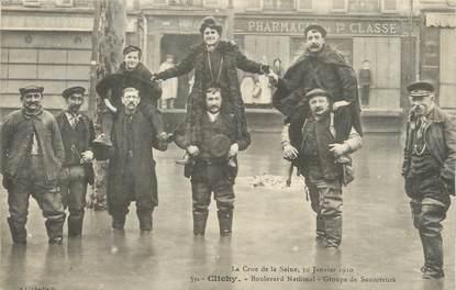 """CPA FRANCE 92 """"Clichy, boulevard National, groupe de sauveteurs"""" / INONDATION 1910"""