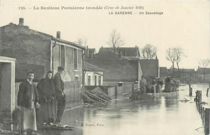 """CPA FRANCE 92 """"La Garenne, un sauvetage"""" / INONDATION 1910"""