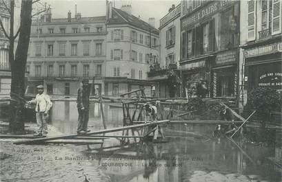"""CPA FRANCE 92 """"Courbevoie, la place du port"""" / INONDATION 1910"""