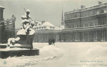 """CPA FRANCE 54 """"Nancy sous la neige, place Carrière et palais du gouvernement"""""""