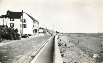"""/ CPSM FRANCE 17 """"Marennes, la plage et la colonie de vacances de Joué les Tours"""""""