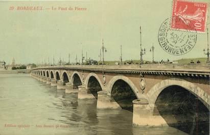 """CPA FRANCE 33 """"Bordeaux, le pont de Pierre"""""""