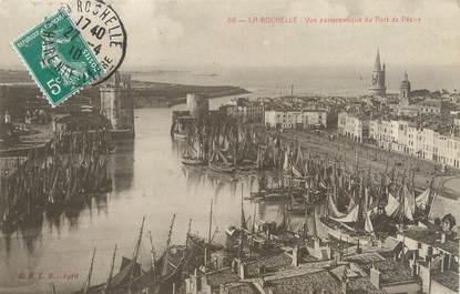 """CPA FRANCE 17 """"La Rochelle, vue panoramique du port de pêche"""""""