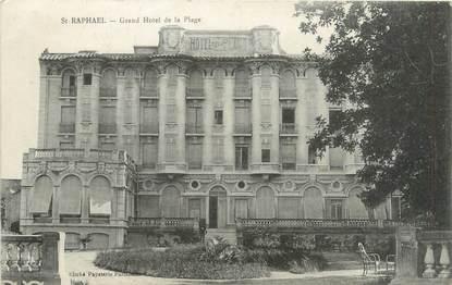 """CPA FRANCE 83 """"Saint Raphaël, grand hôtel de la plage"""""""