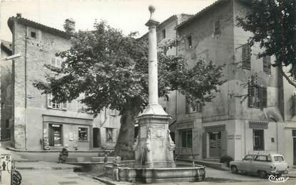 """CPSM FRANCE 83 """"Lorgues, fontaine de la noix et place du Revelin"""""""