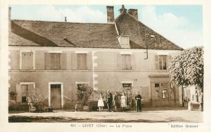 """CPA FRANCE 18  """"Levet, la Place"""""""