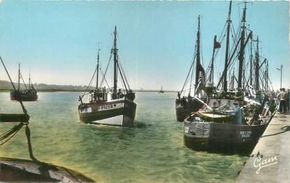 """CPSM FRANCE 62 """"Etaples, bateaux de pêche"""""""