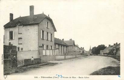 """CPA FRANCE 18 """"Nérondes, route de Blet, Ecole"""""""