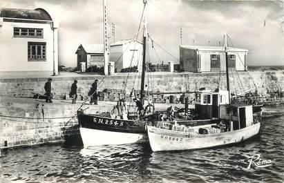 """CPA FRANCE 85 """"Noirmoutier, bateaux de pêche à l'Herbaudière"""""""