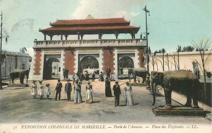 """CPA FRANCE 13 """"Marseille, Exposition coloniale, Porte de l'Annam, place des Eléphants"""""""