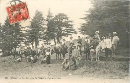 """CPA ALGERIE """"Blida, sur la Rte de Chréa, une caravane"""""""