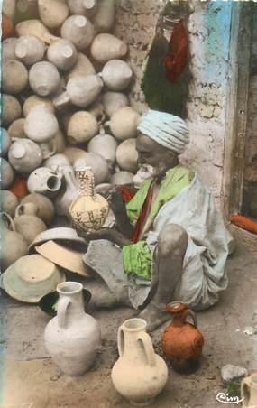 """CPSM ALGERIE / SCENES ET TYPES """"Marchand de poteries"""""""