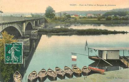 """CPA FRANCE 03 """"Vichy, les barques"""""""