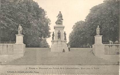"""CPA FRANCE 44 """"Nantes, Monument aux enfants de la Loire, morts pour la France"""" / COLLECTION R. GUENAULT"""