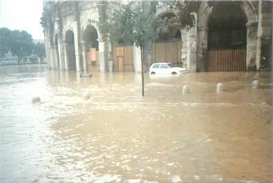 "CPM FRANCE 30 ""Nimes, Inondations du 03/10/1988"""