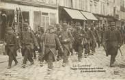 """80 Somme CPA FRANCE 80 """"Amiens, troupes françaises à la poursuite des allemands"""""""