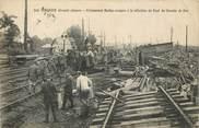 """02 Aisne CPA FRANCE 02 """"Tergnier, prisonniers boches à la réfection du chemin de fer"""""""