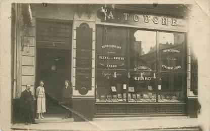 """CARTE PHOTO FRANCE 06 """"Cannes, rue Mal Foch, 1922, magasin ventes instruments de musique"""""""