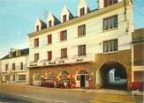 """56 Morbihan CPSM FRANCE 56 """"Sainte Anne d'Auray, Hotel La Boule d'Or"""""""