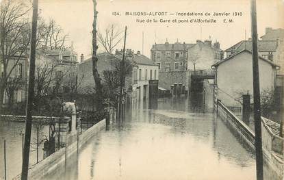"CPA FRANCE 94 ""Maisons Alfort, inondations 1910, rue de la gare"""