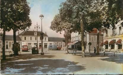 """/ CPSM FRANCE 03 """"Montluçon, place de la gare"""""""