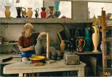 """CPSM FRANCE 06 """"Vallauris, Poterie Artisan au tournage"""""""