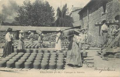 "CPA FRANCE 06 ""Vallauris, Fabrique de Poteries"""
