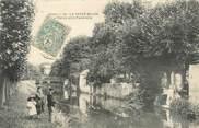 """02 Aisne / CPA FRANCE 02 """"La Ferté Milon, l'Ourcq et la passerelle"""" / PÊCHE"""