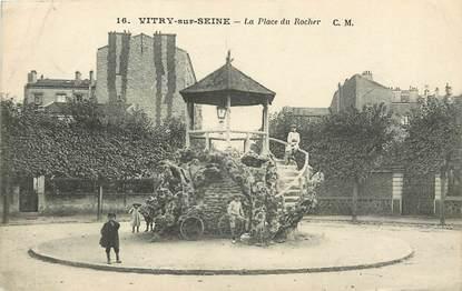 """CPA FRANCE 94 """"Vitry sur Seine, la place du Rocher"""""""