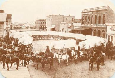"CPA PANORAMIQUE USA / INDIEN ""Old West Collectors Series, Charriots wagons"""