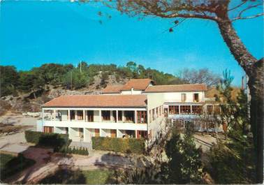 """CPSM FRANCE 30 """"Beaucaire, Hotel restaurant Robinson"""""""