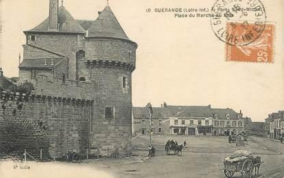 """CPA FRANCE 44 """"Guérande, la place du Marché au Bois"""""""