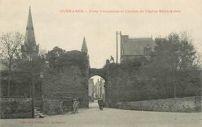 """CPA FRANCE 44 """"Guérande, porte Vannetaise et clocher de l'Eglise Saint Aubin"""""""