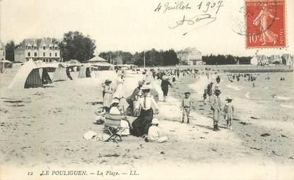 """CPA FRANCE 44 """"Le Pouliguen, la plage"""""""