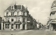 """72 Sarthe / CPSM FRANCE 72 """"Château du Loir, rue Aristide Briand et le Grand hôtel"""""""