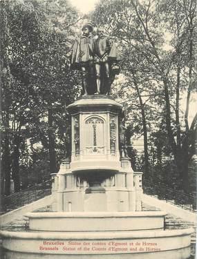 """CPA PANORAMIQUE BELGIQUE """"Bruxelles, Statue des Comtes d'Egmont et de Hornes"""""""