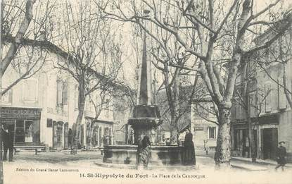 "CPA FRANCE 30 ""Saint Hippolyte du Fort, Place de la Canourgue"""
