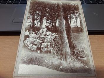 """PHOTO FRANCE 52 """"Fontaine des Fronchies près de Saint Dizier, 1896"""""""