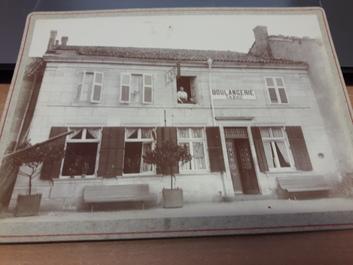 """PHOTO FRANCE 63 """"Billom, Maison Herbillon, 1897"""" / BOULANGERIE"""