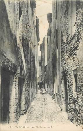 "CPA FRANCE 46 ""Cahors, une vieille rue"""